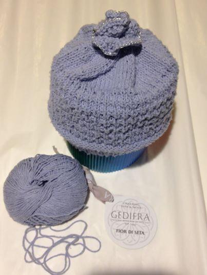 Bébé-Mütze aus Bourette-Seide